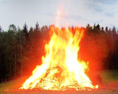 Höhenfeuer 2014 auf dem Oberen Berg in Mrkneukirchen