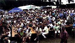 Pferdewagen, Reiter, Blaskapellen und viele Besucher das Markneukirchner Bergfest lockte viele Gäste an